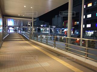 地下鉄の駅で人々 のグループの写真・画像素材[1250070]