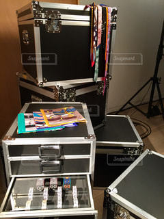 本棚と机の写真・画像素材[1444471]