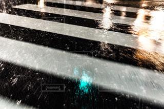 走れ横断歩道の写真・画像素材[684945]
