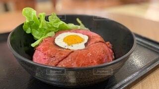 ローストビーフ丼の写真・画像素材[3788622]