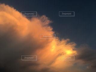 青い空に雲の写真・画像素材[1395698]