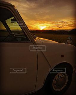 秋の夕陽の写真・画像素材[759994]