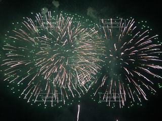 空に花火の写真・画像素材[705226]
