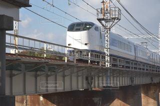 橋を渡る特急はるかの写真・画像素材[872217]