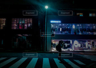 夜が早い渋谷裏道の写真・画像素材[2146059]