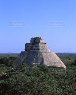 ウシュマル遺跡の魔法使いのピラミッドの写真・画像素材[714018]