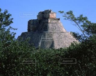ウシュマル遺跡の魔法使いのピラミッドの写真・画像素材[714024]