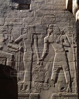 カルナック神殿のレリーフの写真・画像素材[728126]