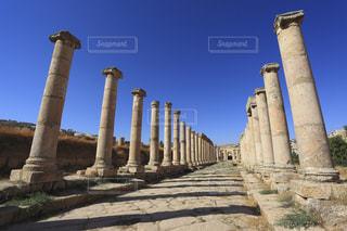 ジェラシュ遺跡の列柱通りの写真・画像素材[733933]