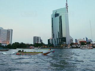 川沿いの写真・画像素材[1742652]