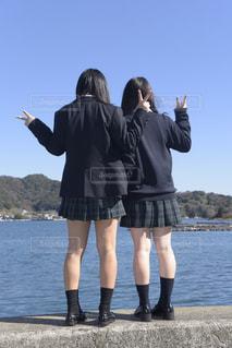 海辺の女子高生の写真・画像素材[770057]
