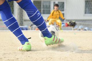 サッカー ボール を 蹴る 瞬間 - No.770063