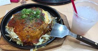 お好み焼き 肉玉そば 鉄板 広島 ヘラの写真・画像素材[695749]