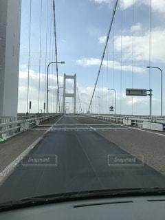 道路の上の橋の写真・画像素材[936019]