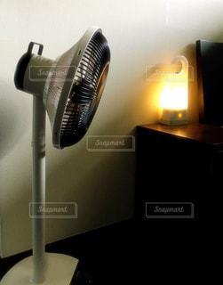 黒とステンレス鋼の電気器具 - No.707192