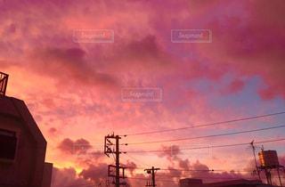 台風前の赤い空の写真・画像素材[738355]