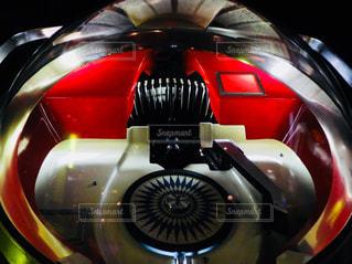 赤と黒のオートバイの写真・画像素材[886926]