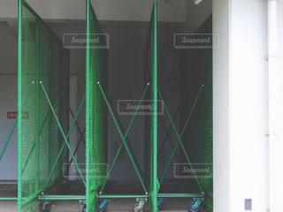近くに緑の建物のの写真・画像素材[917961]