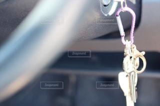 近くに自転車のアップの写真・画像素材[1183717]