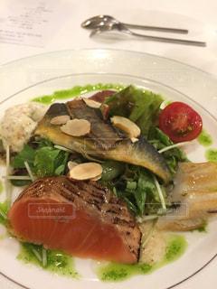 フレンチのお魚料理の写真・画像素材[1370794]