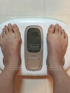 ダイエット中の体重、40キロ代。50キロ切りましたの写真・画像素材[1688130]