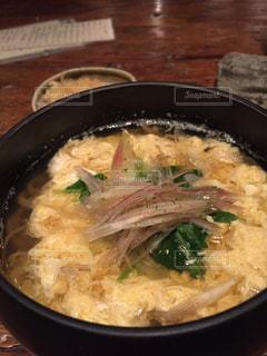 ご飯とブロッコリーを入れた食べ物の皿の写真・画像素材[2691215]