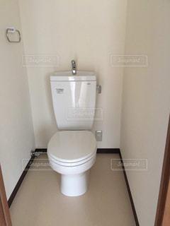 ワンルームのトイレの写真・画像素材[2930963]