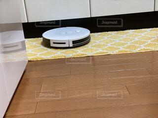 お掃除ロボットの写真・画像素材[4136182]