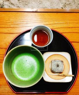 抹茶と茶菓子の写真・画像素材[1586004]