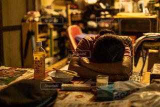 疲れている姿の写真・画像素材[2858904]