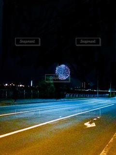 夜の街の景色の写真・画像素材[1289954]