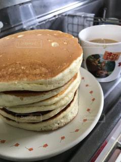 クローズ アップ食べ物の皿とコーヒー カップの写真・画像素材[807264]