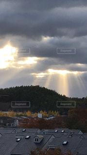 空には雲のグループの写真・画像素材[861402]