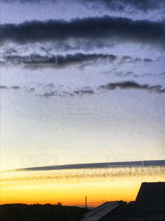 水の体に沈む夕日 - No.901004