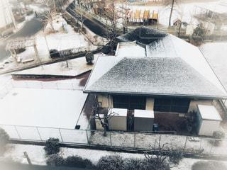 雪に覆われた建物の写真・画像素材[970254]