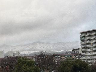 曇りの日の都市の景色の写真・画像素材[970263]