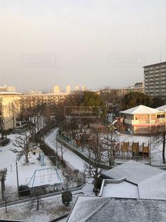 雪に覆われた建物の写真・画像素材[977614]