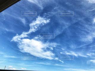 青い空に雲の写真・画像素材[1396070]