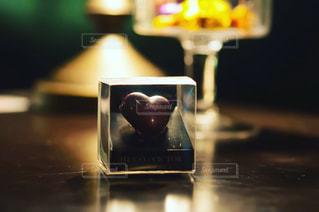 近くのテーブルにガラスの - No.720827