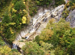姥が滝と紅葉の写真・画像素材[1575551]