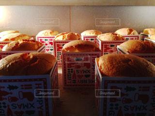 焼成中のシフォンケーキケーキの写真・画像素材[1644707]