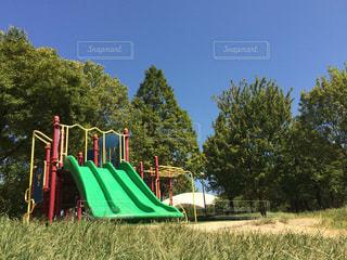 公園 遊具 青空の写真・画像素材[711515]