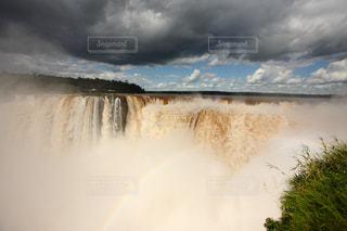 イグアスの滝 & 虹 in アルゼンチンの写真・画像素材[714653]