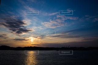 関門海峡に沈む夕陽 - No.751133