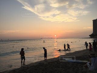 海と夕日の写真・画像素材[2292473]
