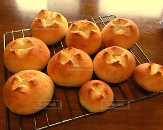 焼きたてパンの写真・画像素材[707962]