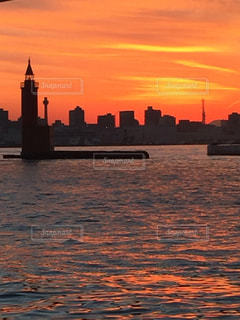 沈む夕日の写真・画像素材[963703]