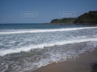 海の横にある砂浜のビーチの写真・画像素材[708682]