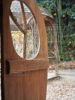 木製ドアの写真・画像素材[710119]