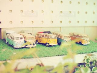 おもちゃの車のグループの写真・画像素材[717821]
